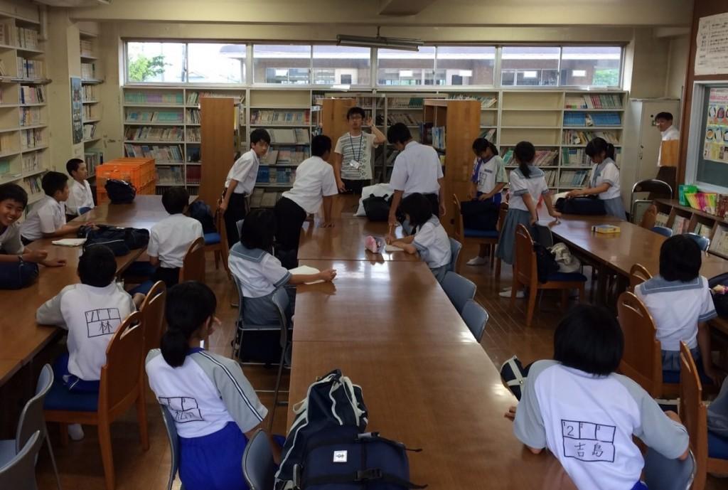 テスト勉強のコツを伝授するボランティア